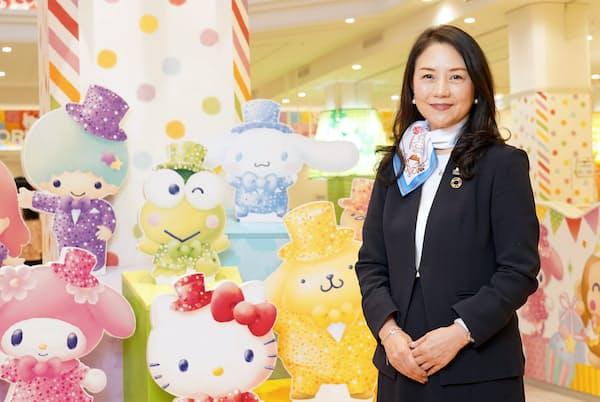 「ウーマン・オブ・ザ・イヤー2020」の大賞者・小巻亜矢さんは、サンリオピューロランドを再建した