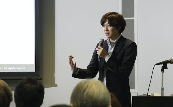 講演するビジネスリサーチラボ代表の伊達洋駆氏