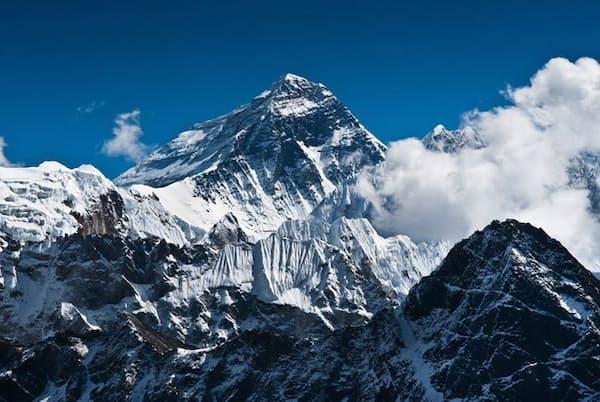 冒険家でプロスキーヤーの三浦雄一郎さんは、70歳、75歳、80歳でエベレスト登頂に成功した(c)arsgera-123RF