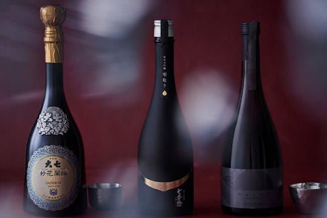 「袋吊り」、「吊るし酒」とも呼ばれ、わずかな量しか造ることができない「雫酒」(しずくさけ)。その独特の製法とは(NikkeiLUXEより)