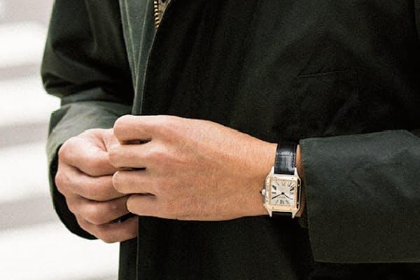 時計は下と同じ。ブルゾン4万9000円/バブアー(バブアー 銀座店) パーカー5万8000円/コーヘン(ストラスブルゴ) パンツ4万1000円/PT01(PT JAPAN)