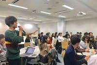 田中教授が講師となっている2年生のゼミではインターンに行く学生が多い