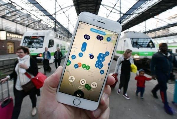 フィンランドのMaaSアプリ「Whim(ウィム)」は公共交通機関に加えて自家用車や自転車も含めた定額制乗り放題で利便性を高めた(ヘルシンキ中央駅)