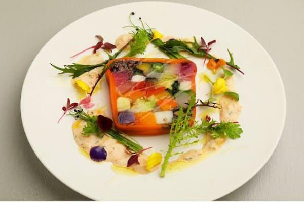 「50種の季節野菜と穀物のテリーヌ」は猪口さんのスペシャリテ