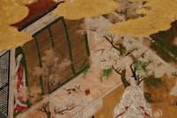 ひもをつけられた猫が御簾から外に出てきている(「源氏物語絵屏風」若菜上、部分、国文学研究資料館蔵)