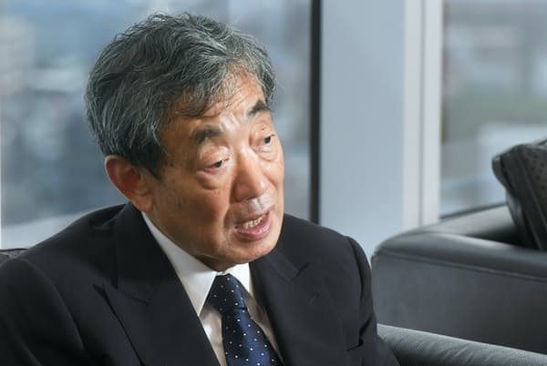 「理不尽だと思っていたことを経営者になって改めた」と話す松本晃氏