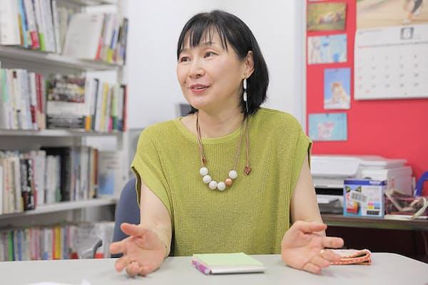 「日本の移民政策」を研究してきた国士舘大学文学部の鈴木江理子教授。NPO法人「移住者と連帯する全国ネットワーク」の副代表理事もつとめ、外国人の支援も行っている。