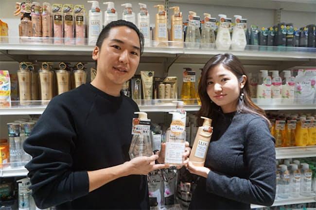 ラックス製品のブランディングを担当するユニリーバ・ジャパン・カスタマーマーケティングの内野慧太氏(左)と中川理彩氏(※「ブランド別売上高トップ」は、インテージSRI調べ)