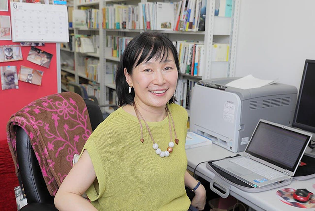 国士舘大学教授で移民政策を専門とする鈴木江理子さん。