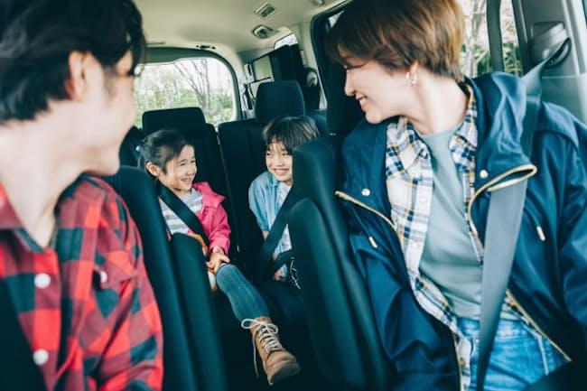 家族ドライブの楽しさはマイカーが支えている(写真はイメージ)=PIXTA