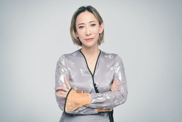 写真家、映画監督として活躍する蜷川実花さん。このところ持ち歩いている「写ルンです」について語ってくれた