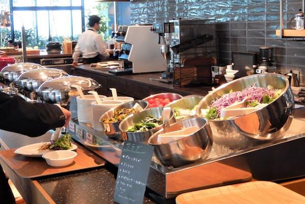 トリドールホールディングスの「31cafe」。料理はすべてビュッフェ形式