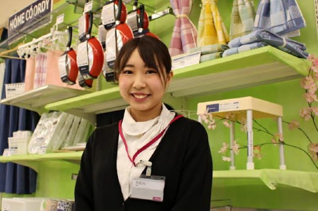 田村さんは数千点の商品からオススメを提案