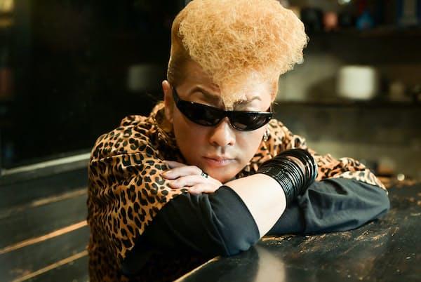 氣志團の「團長」として、さまざまなジャンルで活躍を続ける綾小路翔さんが選んだ「モノ」は、渋谷にある自身のお店だった