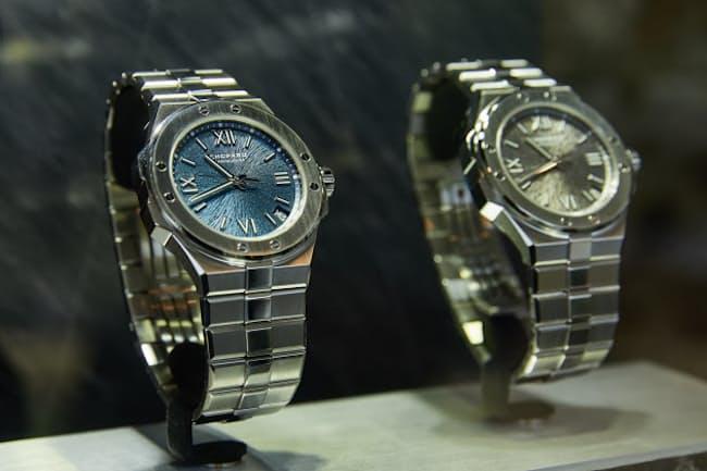 時計の秒針はワシの羽根、文字盤はワシの目の虹彩がデザインソース