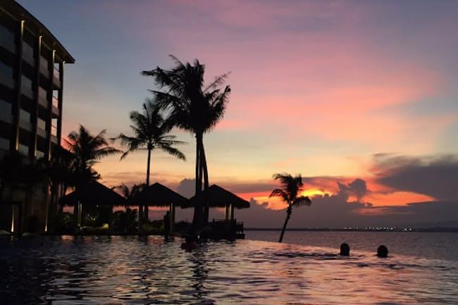 「デュシタニ マクタン セブ リゾート」で夕日を堪能