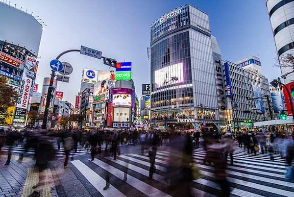 位置情報分析のAgoop(東京・渋谷)の調査によって、東京都外から都内への流入が5割減少しているなどの変化が見えてきた。画像はイメージ