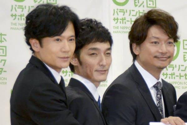 SMAPの元メンバー(左から)稲垣吾郎さん、草彅剛さん、香取慎吾さん