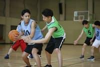 バスケットボールのピボット動作のように、転職でも強みに軸足を置こう(写真はイメージ)=PIXTA