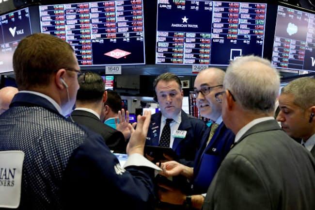 日米欧の株式相場が急落するなど新型コロナウイルス感染拡大をきっかけにした株安が続いている(2020年3月12日、米ニューヨーク証券取引所)ーロイター