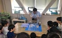 ・サントリーホールディングスが水の大切さなどを小学生に伝える出張授業「水育」(横浜市立菊名小学校)