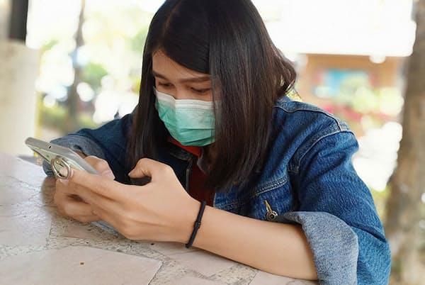 新型コロナウイルスが広まる中でも、仕事を休めない従業員は多い(写真/Shutterstock)