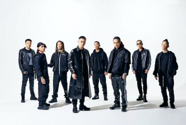 BAD HOP 神奈川県川崎市出身の8人組ヒップホップグループ。海外のプロデューサーを迎えたミニアルバム『Lift Off』はLAでレコーディングを実施。収録曲『Foreign』のミュージックビデオでの再生回数は2カ月で200万回を超えた