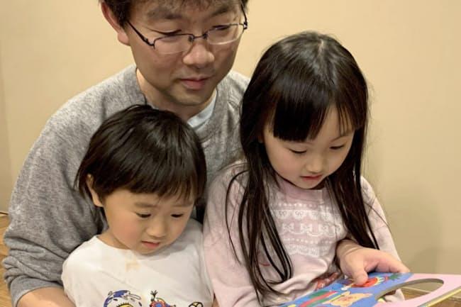朝4時に起床して早朝から勤務することで、子供たちと過ごす時間を作り出す