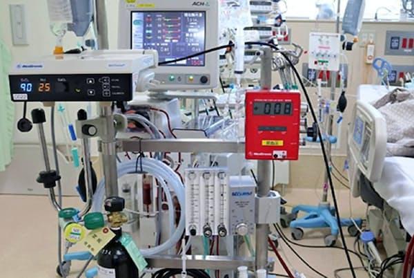 重篤患者の呼吸機能を維持するのに利用する体外式膜型人工肺「エクモ」