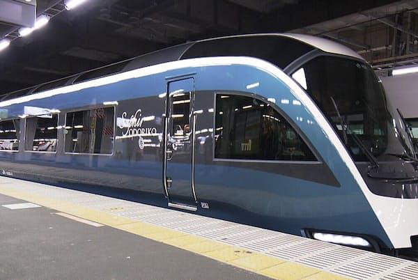 全席がグリーン車の新型観光列車「サフィール踊り子」