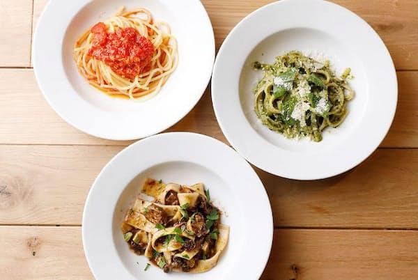 イタリアの香りや温度をそのまま届けるため、食材や調味料もイタリア産にこだわる