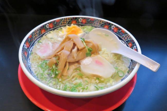 北海道函館市の塩ラーメンはさっぱりしていながら、深い味わいが特徴(麺厨房あじさい本店)