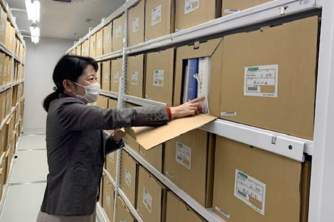 東京都公文書館は都の行政文書だけで約95万件を所蔵している(2020年4月、国分寺市)