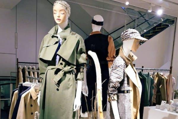 期間限定店では若者向けの着こなしに注力(東京都渋谷区)