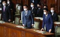 衆院本会議で20年度補正予算案を可決した(4月29日)