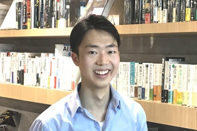 3歳から暮らした英国を離れ、東京大学医学部に進んだ高橋宗知さん