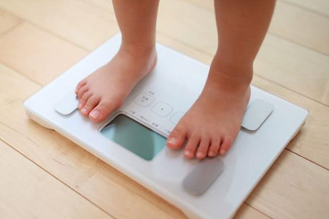 子どもの肥満は健康障害につながる危険性も(写真はイメージ=PIXTA)