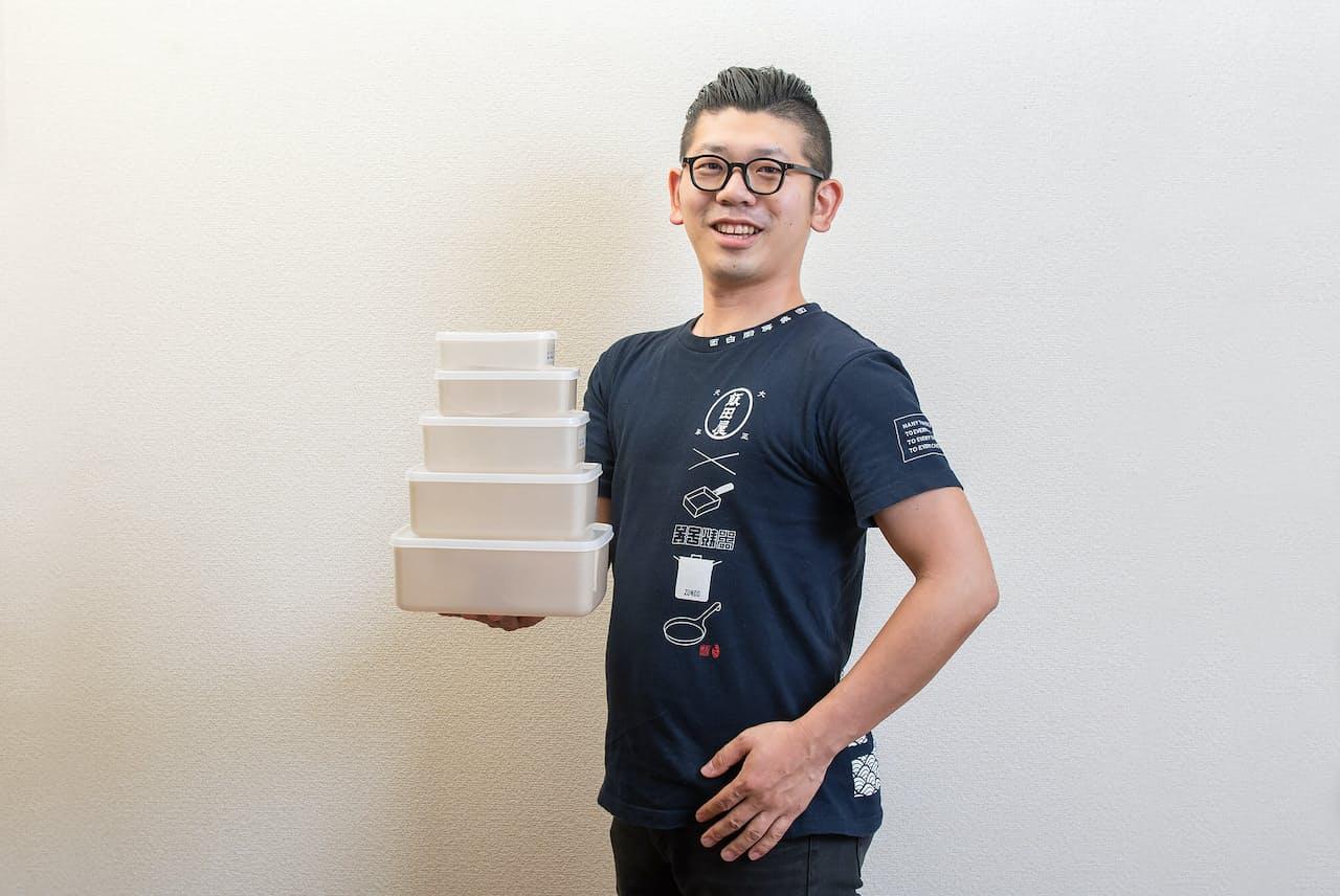 台所番長こと、合羽橋の老舗料理道具店、飯田屋の6代目、飯田結太氏。今回は、今飲食業界で注目度急上昇中の抗菌性の高い調理道具を紹介