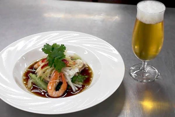 ビールがおいしい! 広東地方ではポピュラーな「海鮮の湯引き葱ソースかけ」(白灼海鮮宝=パッチョホイシンポウ)
