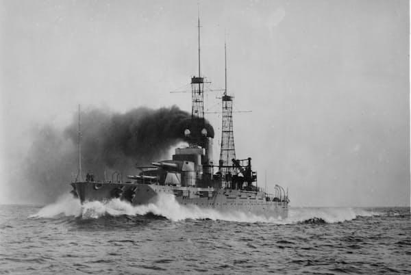 1916年、試験航海中の戦艦ネバダ。第二次世界大戦中は、大西洋と太平洋の両戦域で活躍した(PHOTOGRAPH BY GEORGE GRANTHAM BAIN COLLECTION, LIBRARY OF CONGRESS)