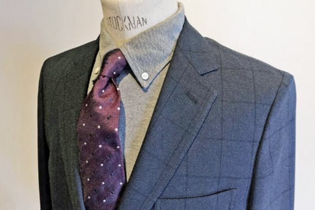 ポロシャツにネクタイを締めれば、十分フォーマルとして成立