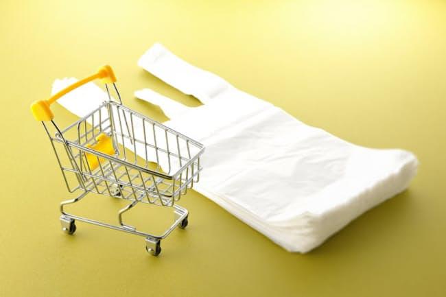 7月1日からレジ袋が有料化される(写真はイメージ=PIXTA)