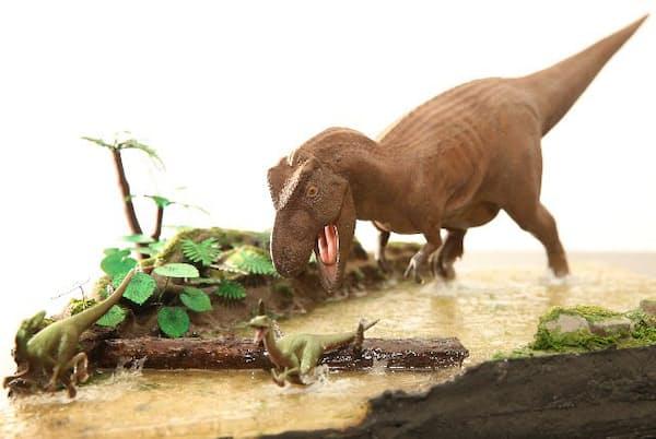 モデラーのオオゴシトモエさんが作ったタミヤの恐竜