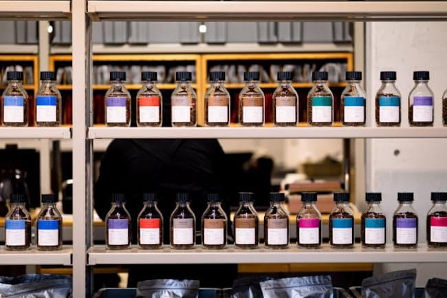 POST COFFEEは30種類以上のスペシャルティーコーヒーから好みに合うものを届けてくれる
