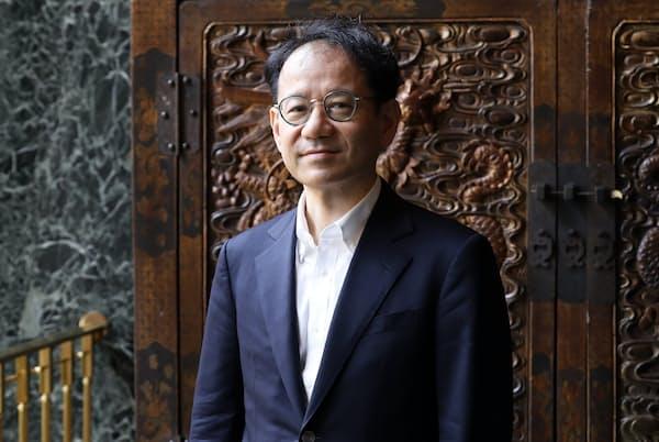 鈴木寛・東京大教授