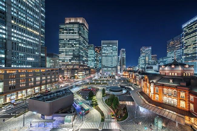 高層ビルが林立する東京・丸の内。オフィスビルを本格的に引き払う動きはまだ見られない(写真/Shutterstock)
