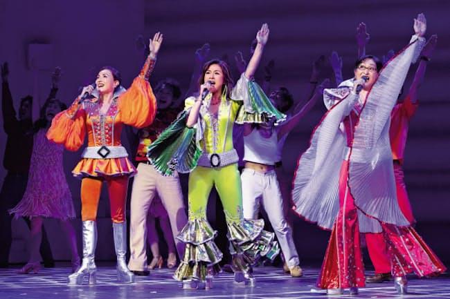 神奈川芸術劇場で開幕し、一時休演となった「マンマ・ミーア!」=樋口 隆宏撮影