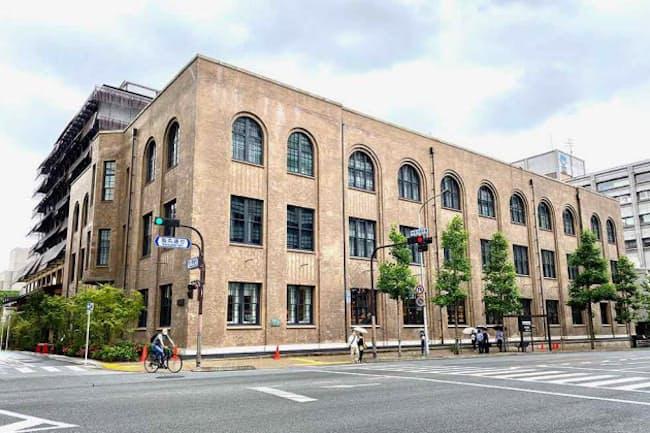 日本の近代建築の巨匠、吉田鉄郎氏が設計し、1926年に竣工した旧京都中央電話局を一部保存・改修し、新たに生まれ変わった「新風館」。「伝統と革新の融合」というこれまでのコンセプトを承継しつつ、新たな付加価値を取り入れている