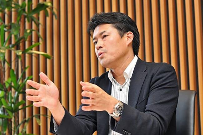 「ミドルシニアはキャリアの停滞に陥りやすい」と、法政大学の田中研之輔教授は指摘する