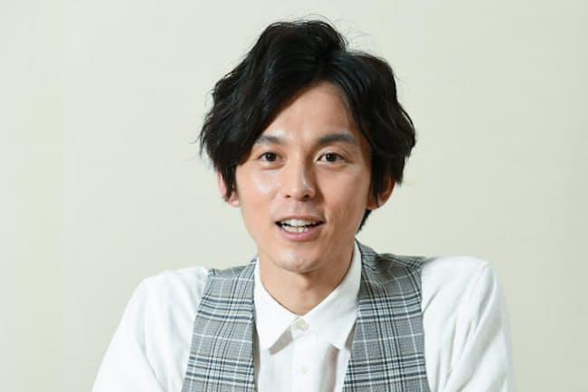 かたおか・しんわ 1985年東京都生まれ。2006年に芸能界入りし「炎神戦隊ゴーオンジャー」などで活躍。19年に気象予報士試験に合格、テレビ朝日系「羽鳥慎一モーニングショー」のお天気キャスターに。
